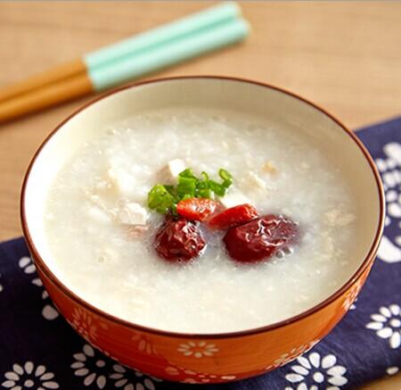 红枣茯苓粥